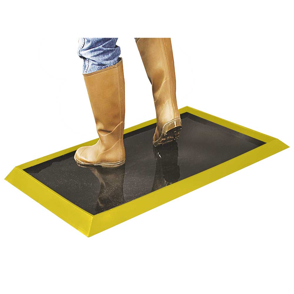 Wearwell 222 Tall Wall Sanitizing Footbath Mat 32 Quot X 39 Quot